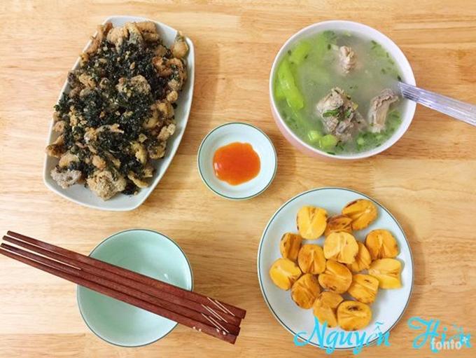 Chị Nguyễn Hiền thường hỏi ý kiến chồng về những bữa ăn, nhưng anh ít khi bình luận. Thấy ông xã ăn hết những món vợ nấu, chị hiểu mình đã thành công.