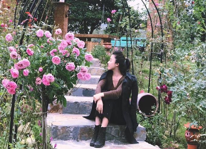 Đồi hoa hồng trong nhà vườn phong cách resort của BTV truyền hình