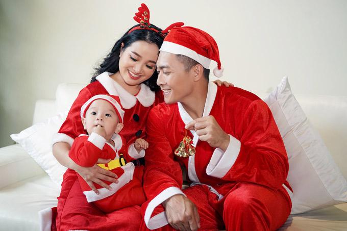 Hồng Phượng - Quốc Cơ mừng sinh nhật con trai trùng với Giáng sinh