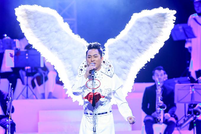 Tùng Dương bất ngờ hát Bolero sau phát ngôn gây tranh cãi
