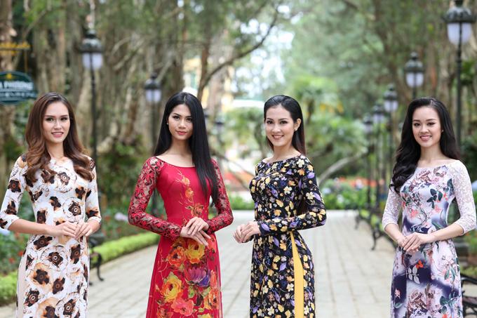 Trong lịch trình hoạt động tại Đà Lạt, các thí sinh Hoa hậu Hoàn vũ Việt Nam có dịp khoe nét duyên dáng nhưng không kém phần tinh tế và hiện đại qua trang phục Áo dài ABC khi đến tham quan Dinh 1