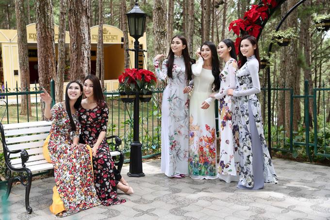 Thí sinh Hoa hậu Hoàn vũ Việt Nam diện áo dài tham quan Đà Lạt trước đêm chung kết