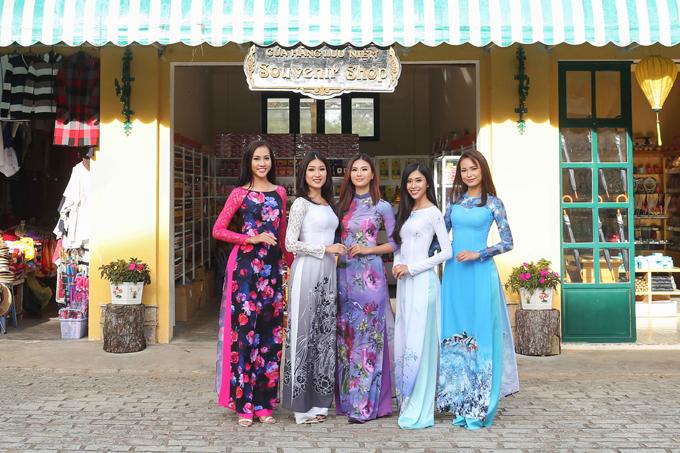 Khép lại những hoạt động tại Đà Lạt, các thí sinh Hoa hậu Hoàn vũ Việt Nam tiếp tục di chuyển về Nha Trang (từ 25/12/2017 đến 06/01/2018) để tham gia các phần thi phụ, hoạt động rèn luyện và chuẩn bị cho đêm chung kết