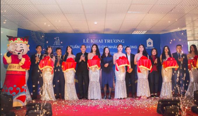 Táo môi trường 2017 - NSND Tự Long khai trương Tuấn Minh Land chi nhánh Hạ Long (xin edit) - 1