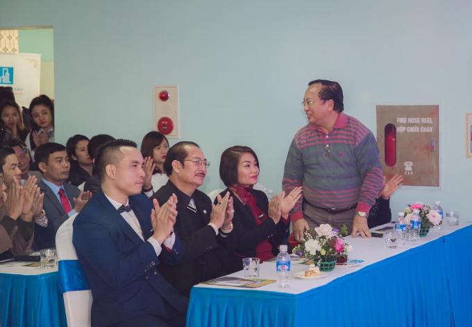 Táo môi trường 2017 - NSND Tự Long khai trương Tuấn Minh Land chi nhánh Hạ Long (xin edit) - 2
