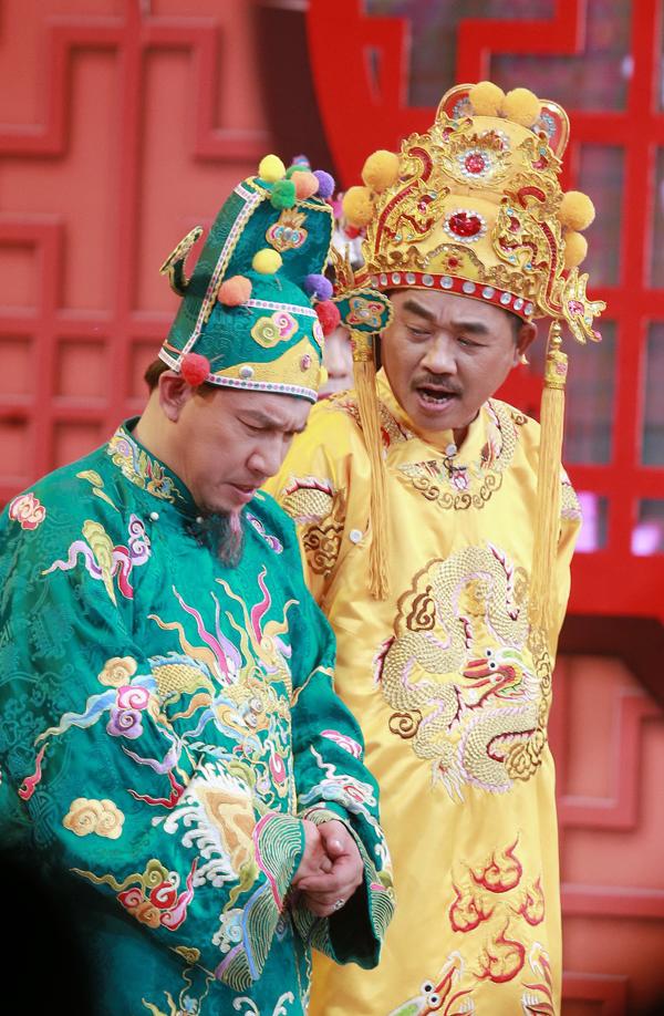 Quang Thắng đóng vai Táo Kinh tế trong Gặp nhau cuối năm 2017.