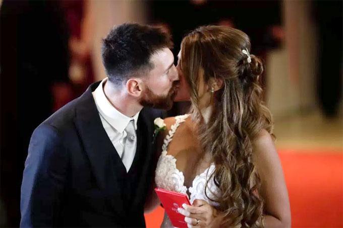 Top đám cưới nổi bật của sao sân cỏ năm 2017