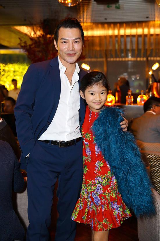 Trần Bảo Sơn đón tuổi 45 bên con gái và bạn bè