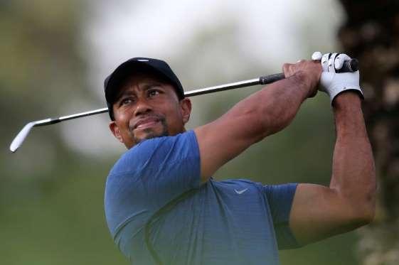 Tiger Woods có khối tài sản 750 triệu USD. Cách đây 20 năm, tay golf này còn kiếm được 1,4 tỷ USD trước thuế với hơn 90% thu nhập đến từ các hợp đồng ngoài sân golf với các thương hiệu như Nike, Upper Deck và Bridgestone. Tiger Woods gần đây đã quay trở lại thi đấu sau một năm nghỉ ngơi vì phẫu thuật lưng.