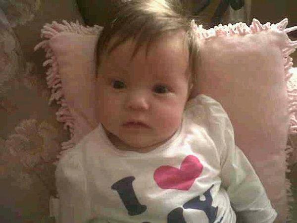 Tiara khi còn là một em bé sơ sinh. Ảnh: Feature World