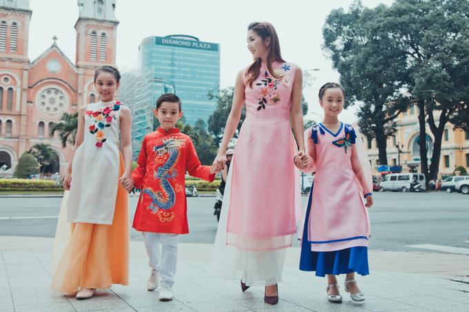 Trong bộ ảnh thời trang thực hiện tại TP HCM, Ngọc Quyên và dàn mẫu nhí cùng diện các mẫu áo dài mới nhất cho mùa xuân 2018.