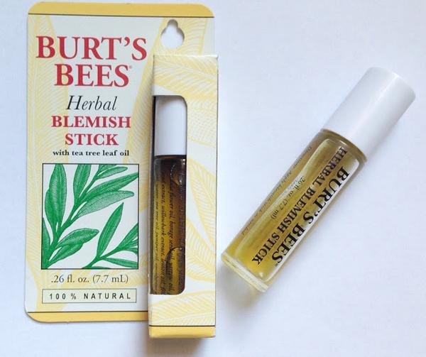 Burts Bees Herbal Blemish Stick Sản phẩm đặc trị mụn với chiết xuất thiên nhiên 100%, giúp làm khô nhân mụn chỉ sau một đêm.