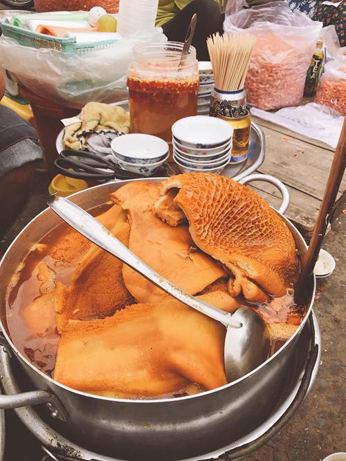 Lý Phương Châu bật mí hai quán ăn vặt ruột lề đường Sài Gòn - 2