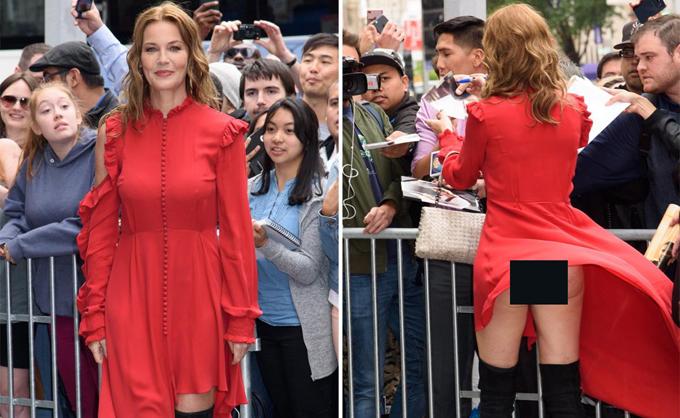 Minh tinh Connie Nielsen bị gió tốc bay váy để lộ cả vòng ba trong khi đi quảng bá phim Wonder Woman tại liên hoan phim Cannes hồi tháng 5.