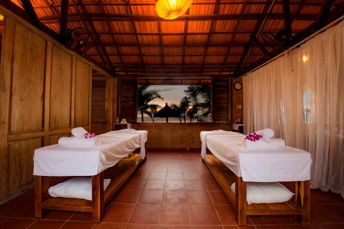 Sandle Spa nằm cạnh bờ biển được thiết kế với sự tổng hòa của thiên nhiên mộc mạc và bình yên của biển, mang đến cho Quý khách một không gian thư giãn thực sự.