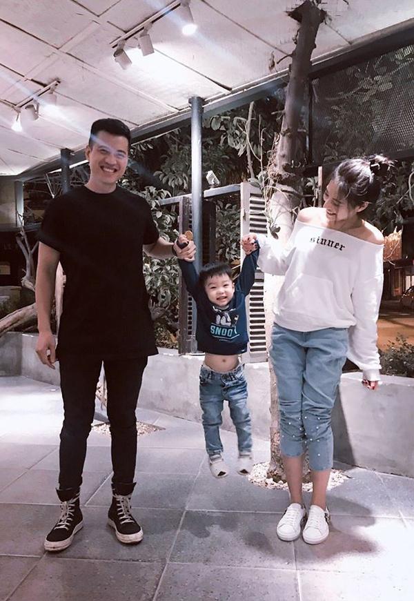 Con trai Lee Balan tên ở nhà là Xôi, năm nay hơn 2 tuổi. Cậu bé là kết quả mối tình của nữ diễn viên và Huy DX - một DJ có tiếng tại Hà Nội.