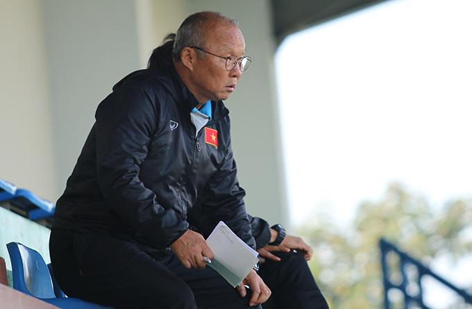 HLV Park Hang Seo và các học trò đang gấp rút hoàn thiện kỹ chiến thuật và thể lực trước vòng chung kết U23 châu Á. Ảnh: Văn Đương.