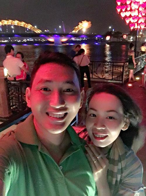 Hai vợ chồng Minh Nhật - Hoàng Trúc trong một lần đi du lịch.