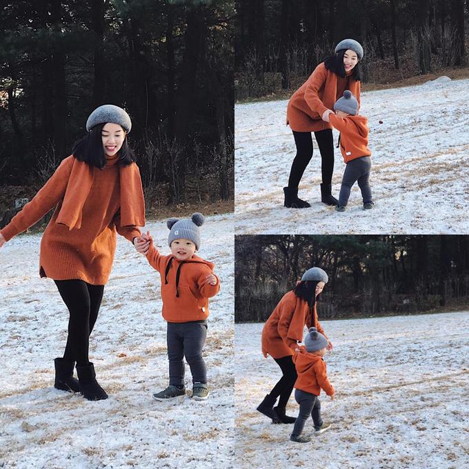 Ly Kute cùng con trai và gia đình tới Hàn Quốc trong kỳ nghỉ đông. Bà mẹ một con đưa Khoai Tây đến công viên trẻ em Seoul. Mẹ muốn đưa con đi thật nhiều nơi, sống qua những ngày mưa nắng tại thật nhiều vùng đất để con có thật nhiều trải nghiệm. Người bạn đồng hành của mẹ, Ky Kute chia sẻ.
