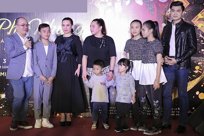 Wendy hơn 20 tuổi, được Phi Nhung sinh tại Mỹ. Nữ ca sĩ giấu kín chuyện chị có con, gần đây mới chia sẻ khiến công chúng rất bất ngờ.