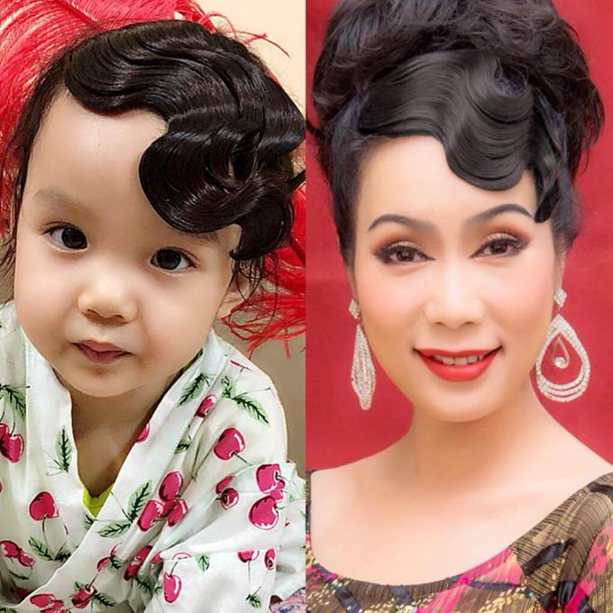 Con gái diễn viên Kim Chi được làm tóc và bắt chước thần thái y chang mẹ.