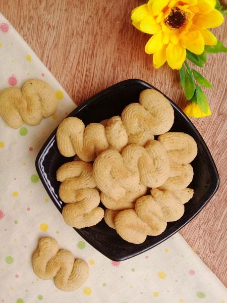 Trời lạnh làm bánh quy vị cà phê thơm lừng - 1