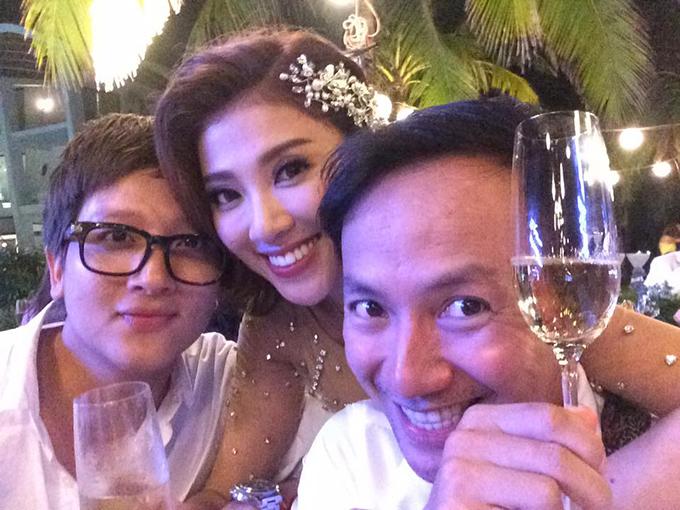Tiến Đạt đến mừng đám cưới của người em thân thiết Yumi Dương.