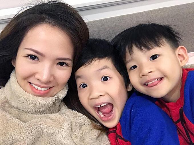Đan Lê dành kỳ nghỉ ở bên gia đình, đặc biệt là hai con trai.