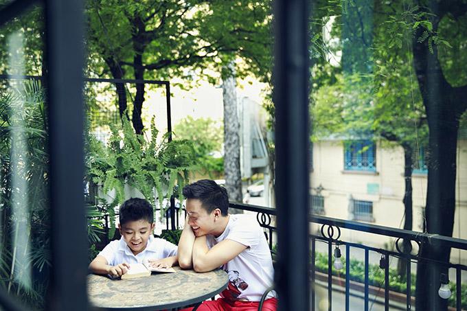Lương Mạnh Hải đưa con trai xuống phố đón năm mới - 6