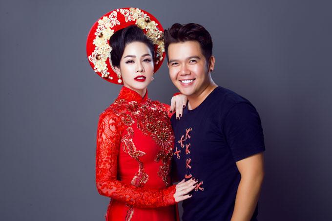 Bộ ảnh được thực hiện với sự hỗ trợ của Áo dài Minh Châu, trang điểm Việt Trung, làm tóc Khải Vũ và photo Bảo Lê.