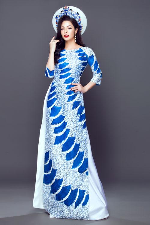 Cô dâu nên kết hợp khăn mấn cùng tông màu và có hoa văn tương đồng với áo dài.