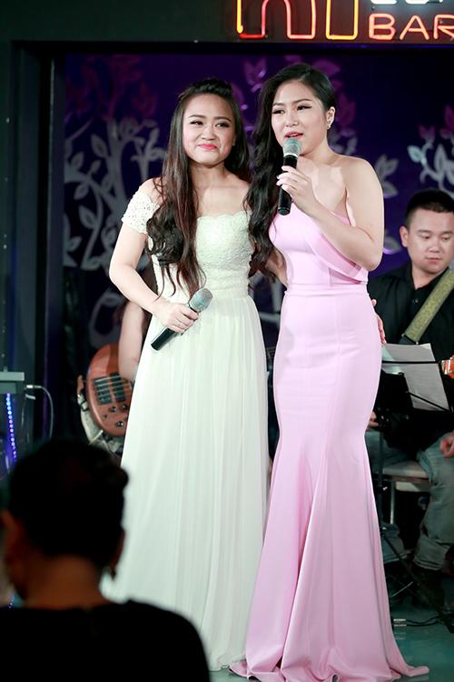 Phương Thanh thân thiết với em chồng - ca sĩ Hương Tràm.