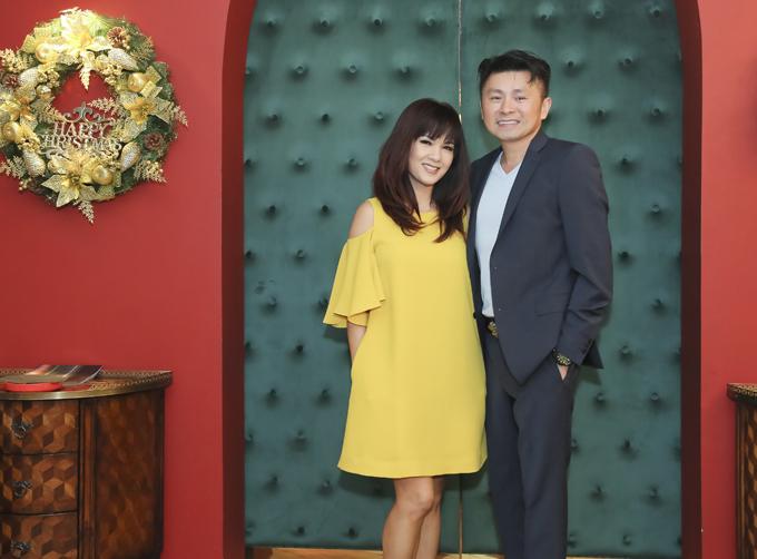 Kiều Khanh từng nổi tiếng khi giành giải nhất cuộc thi nhan sắc năm 1989. Hiện cô định cư tại Mỹ cùng 3 con. Sau đổ vỡ hôn nhân, Kiều Khanh đang hẹn hò một doanh nhân. Bạn trai tháp tùng cô về Việt Nam.