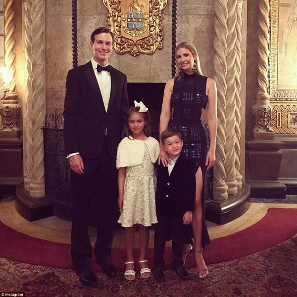 Trước đó, Ivanka đã đăng tải bức ảnh gia đình chuẩn bị đi tiệc lên tài khoản Instagram.