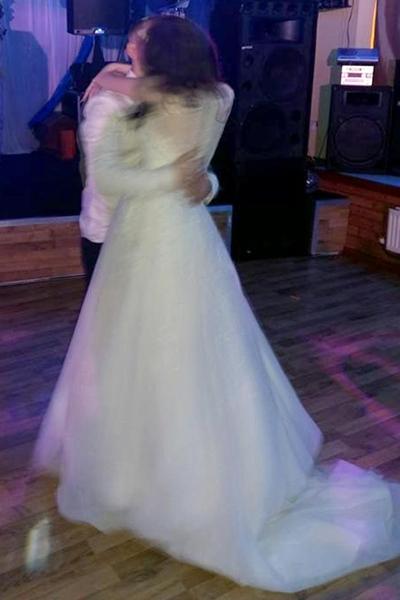 Dannie đang nhảy cùng chồng thì vỡ ối. Ảnh: Caters