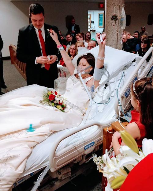 Dave luôn mang theo bên mìnhbài học về sự kiên cường chiến đấu với bệnh tật để sống và được yêu của Heather. Ảnh:Christina Lee.