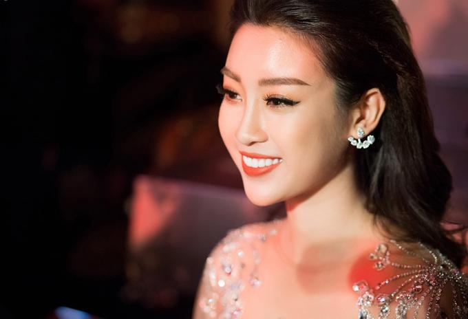 Đỗ Mỹ Linh tiết lộ, chuyên gia trang điểmBin Nguyễn là người đã giúp cô tỏa sáng trong chương trìnhđầu năm mới.