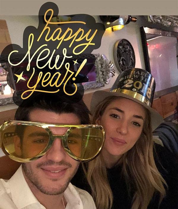 Tiền đạo Morata nhí nhảnh đón năm mới cùng cô vợ đang mang thai em bé đầu lòng.