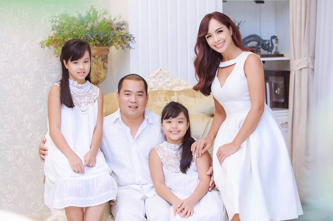 Tổ ấm hạnh phúc của cựu người mẫu với nhạc sĩ Minh Khang.