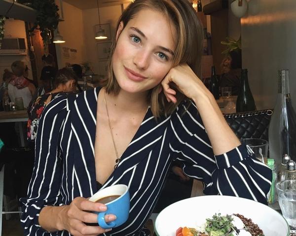 Chia sẻ về chế độ ăn, Sanne cho biết cô thường ăn cháo bột yến mạch với lòng trắng trứng cho bữa sáng. Sau đó, cô dùng thêm một chút trái cây và các loại hạt như hạt chia, hạt lanh hay quả câu kỷ tử.