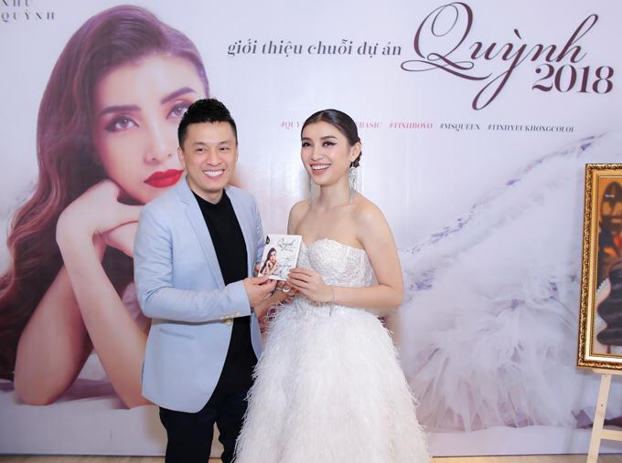 Tiêu Châu Như Quỳnh tổ chức buổi giới thiệu album mới Quỳnh - Back to the basic cùng dự án Quỳnh 2018 tại TP HCM. Lam Trường tới ủng hộ cháu gái.