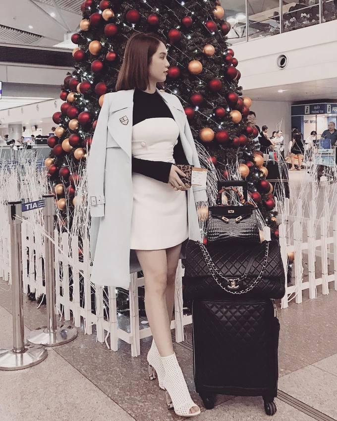 'Bóc giá' loạt túi xách hàng hiệu của Ngọc Trinh