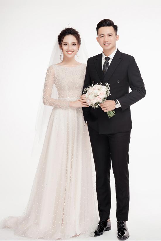 Ảnh cưới ngọt ngào của top 10 HHVN Tố Như và hot boy trường Cảnh sát - 2