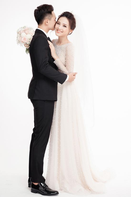 Ảnh cưới ngọt ngào của top 10 HHVN Tố Như và hot boy trường Cảnh sát - 4