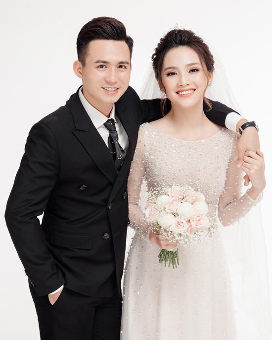 Ảnh cưới ngọt ngào của top 10 HHVN Tố Như và hot boy trường Cảnh sát - 5