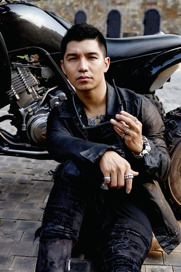 Vai diễn anh hùng thị xã Tâm trong Lôi Báo giúp nam ca sĩ được nhiều khán giả biết đến và yêu mến.