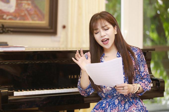 Đêm nhạc Phú Quang và Trịnh Công Sơn vào ngày 4/1 và 9/1 tại Nhà hát Lớn Hà Nội, Minh Chuyên sẽ thể hiện 4 ca khúc, trong đó có Romance 1, Nỗi nhớ mùa đông, Đâu bởi phải mùa thu.