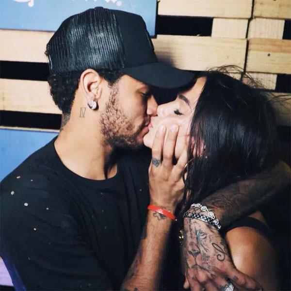 Bức ảnh gây xôn xao ngày đầu năm của Neymar và Bruna Marquezine.
