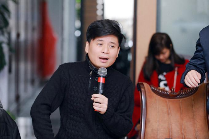 Tấn Minh chia sẻ, anh đã sống và trưởng thành cùng âm nhạc Phú Quang nên các tác phẩm của ông gần như là máu thịt của anh.