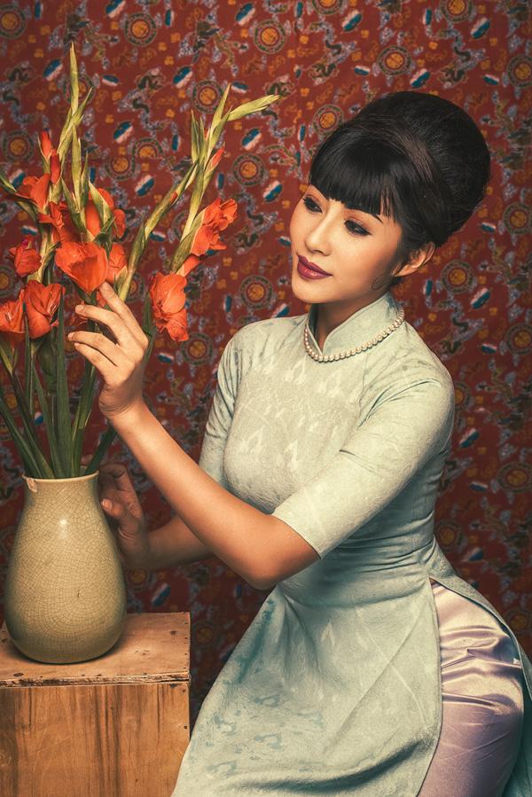 Đặng Thu Thảo hóa Cô Ba Sài Gòn với style trang điểm cổ điển - 2